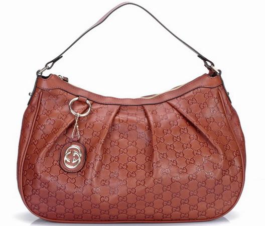 ... который контролирует многие известные бренды, такие как Alexander  McQueen, Yves Saint Laurent, Gucci. Элегантные сумки от Gucci это, конечно,  ... e8363f192df